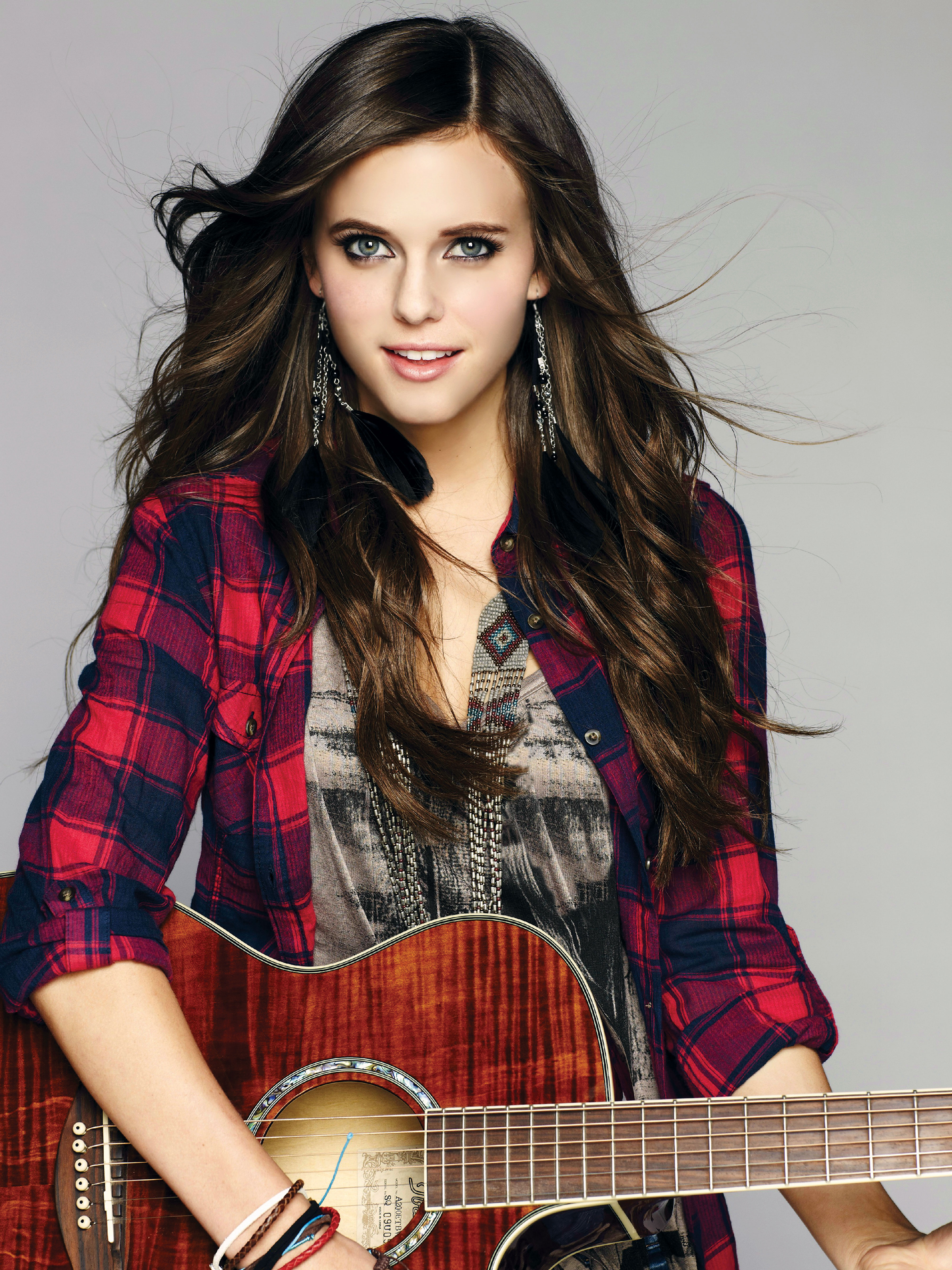 Tiffany Alvord 'LIVE' in Singapore + INTERVIEW!
